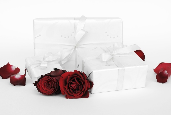 6 Valentine Gift Ideas For Your Sweet Girlfriend To Redefine Her