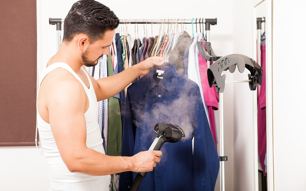 How to Choose the Best Garment Steamer